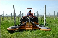 Grass mowers for vineyards and orchards